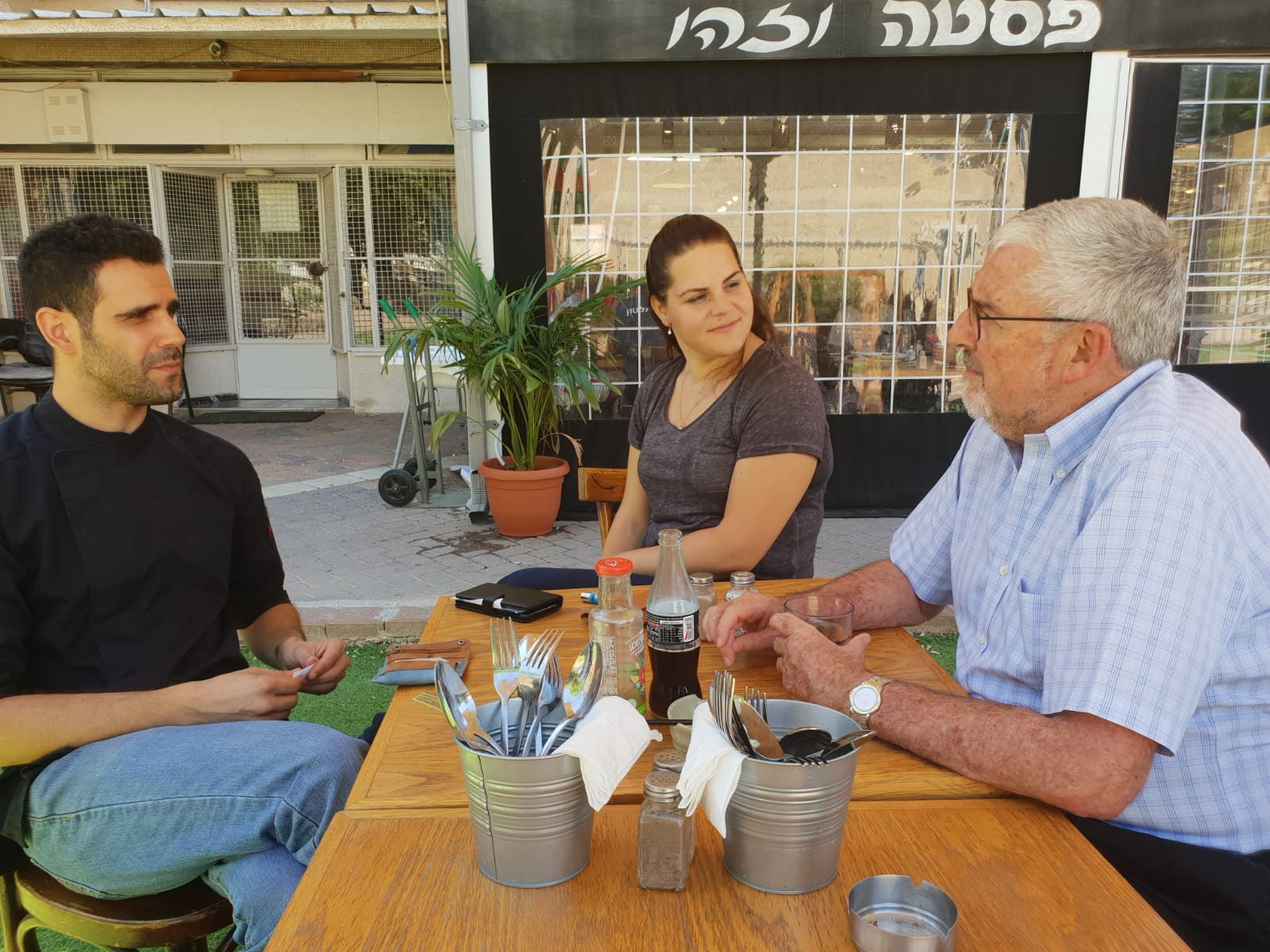 Shir Lengy and Idan Kadosh meet with Jewish Agency CEO and Director General, Alan Hoffmann at their restaurant, 'Pasta v'Zehu
