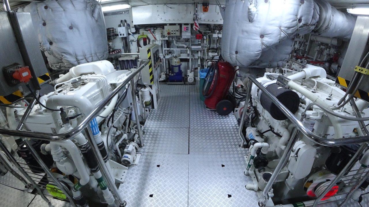 Engine_room_(1)