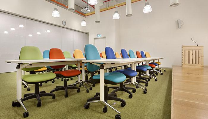 ריהוט מוסדי, כיסאות משרדיים מבית פיטרו ריהוט משרדי